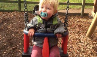 Diagnostiqué sourd et appareillé à seulement 6 semaines, ce petit garçon de 2 ans peut enfin apprendre à parler !