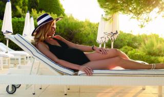 10 maillots de bain de grossesse qui ont du style pour faire plouf cet été
