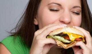 Malbouffe pendant la grossesse: un risque d'addiction pour l'enfant