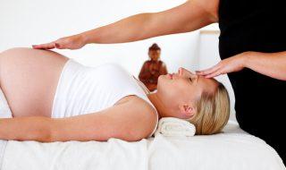 Hypno-naissance : la méthode qui permet d'accoucher zen