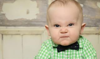 Bébé fait des caprices : la faute à ses bactéries intestinales !