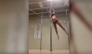 Enceinte de 8 mois, cette future maman continue à pratiquer le pole dance