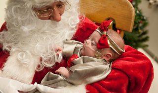 Devinez qui est venu rendre visite à ces adorables bébés nés prématurés avant Noël ?