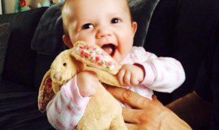 Découvrez 32 superbes photos de bébés au sourire vraiment ravageur !