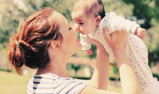 8 choses à savoir pour réaliser de jolies photos de naissance avec bébé