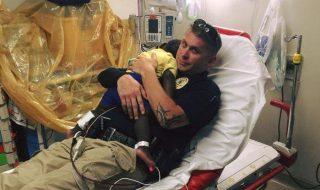 On adore ce policier qui a été d'un grand réconfort pour ce bébé de 16 mois !