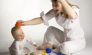 Pourquoi bébé imite tout ce qu'il voit?