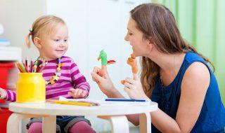 Pourquoi les assistantes maternelles ont-elles moins la cote ?