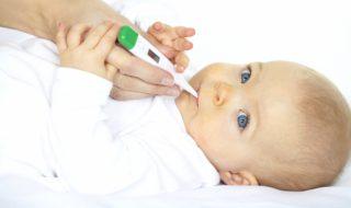Premier rhume de bébé : que faire ?