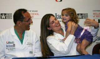 Première mondiale en Floride : un bébé opéré in utero d'une tumeur !