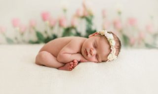 10 jolis prénoms pour une petite fleur