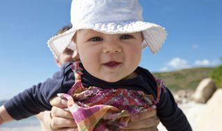 Comment éviter les coups de soleil à bébé ?