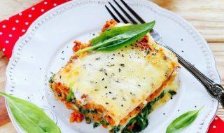 Lasagnes tomates et parmesan pour un repas à l'italienne