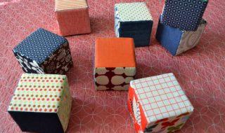 DIY : des cubes en mousse pour stimuler bébé