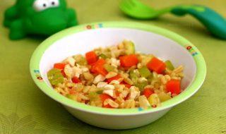 Savoureux risotto de légumes verts et de carotte pour bébé à partir de 12 mois