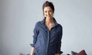 8 manières de porter du jean avec style quand on attend un heureux événement