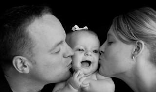 Papa, maman, bébé, le modèle préféré des Français ?