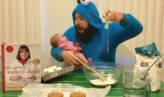 Ce papa se prend en photo avec sa fille dans des situations complètement hilarantes et on adore le résultat !