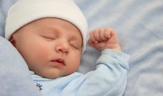Saviez-vous que bébé avait besoin de 16 heures de sommeil par jour ?