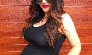 Critiquée pour sa photo de grossesse «parfaite», cette future maman s'excuse en se montrant au naturel