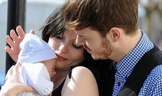Sophie Ellis-Bextor : de nouveau enceinte.