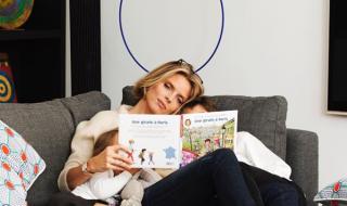 Sylvie Tellier, élégante et sportive, elle dévoile son baby bump