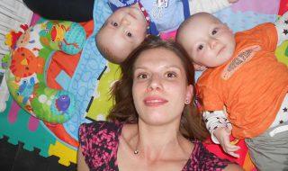 Ma grossesse gémellaire, un «bonus» surprise qui m'a rendu plus qu'heureuse