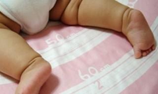 Travailler debout pendant la grossesse ralentit la croissance du bébé !