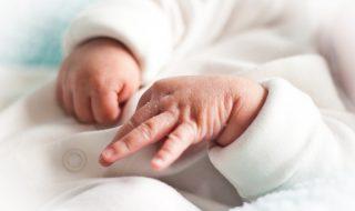 Une jeune maman de 25 ans accouche d'un bébé issu d'un embryon âgé de 24 ans !