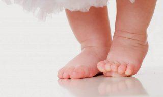 Comment soigner les verrues sur les petits pieds de bébé ?